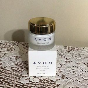 NWOT Moisture Lift Cream with SPF 15